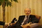 图文:希腊奥林匹亚市长访京 回答提问充满睿智