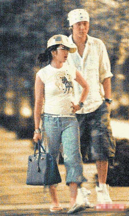 Elva(左)和Sunny王交往时很低调。