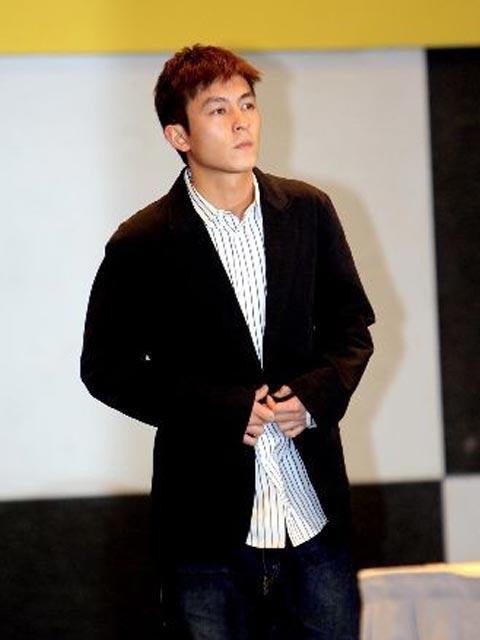 陈冠希宣布待完成手上的工作后,将永久退出香港的娱乐圈