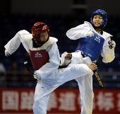 图文:女子59公斤级决赛刘晶夺冠 两人你来我往