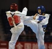 图文:女子59公斤级决赛刘晶夺冠 刘晶呐喊攻击
