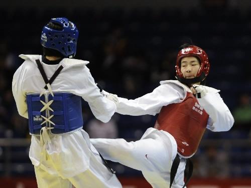 图文:女子59公斤级决赛刘晶夺冠 张华不落下风