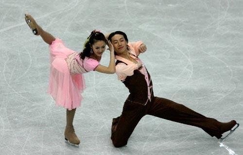 图文:世锦赛冰舞创编舞 于小洋/王晨高难滑行