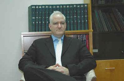 博厄兹•盖诺博士,以色列劳德政府战略与外交学院副院长,国际反恐政策研究所创始人、所长,国际反恐学会创始人、会长。盖诺博士曾任以色列国防部反恐顾问、以色列总理办公室反恐协调员、以色列国家安全委员会顾问等职。