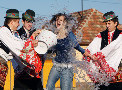 匈牙利激情庆祝复活节