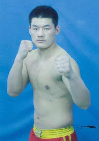 大比武2008系列赛事90公斤参赛队员 陈东动作