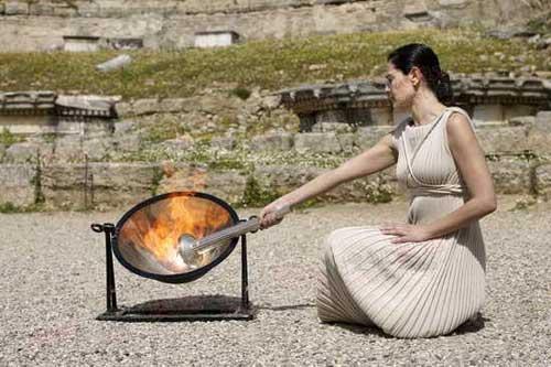 希腊女祭司演练取火种