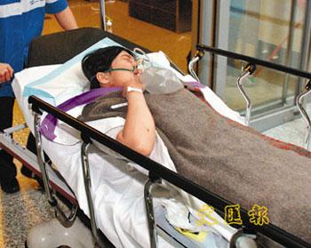情侣 万象/因求和不遂险被前男友割喉的女子送院。(图片来源:香港文汇报...