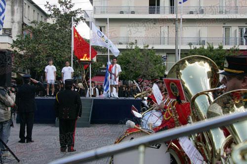 图文:境外火炬接力进入第二天 热闹的庆典仪式
