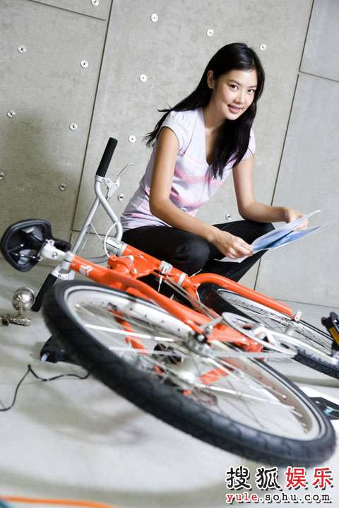 乐基儿与第三代PUMA Biomega Bike