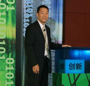 IBM大中华区副总裁、系统与科技事业部总经理何国伟