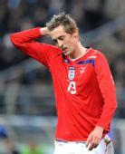 图文:[友谊赛]法国1-0英格兰 高佬挠头