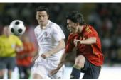 图文:西班牙1-0意大利 比利亚从容停球
