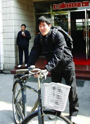 孙海平最近在忙一件事 找一条跑道配得上他