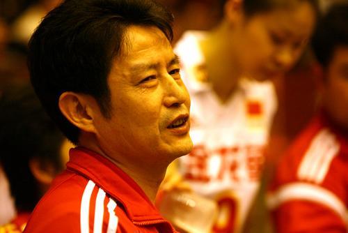 中国女排3-2台山男排