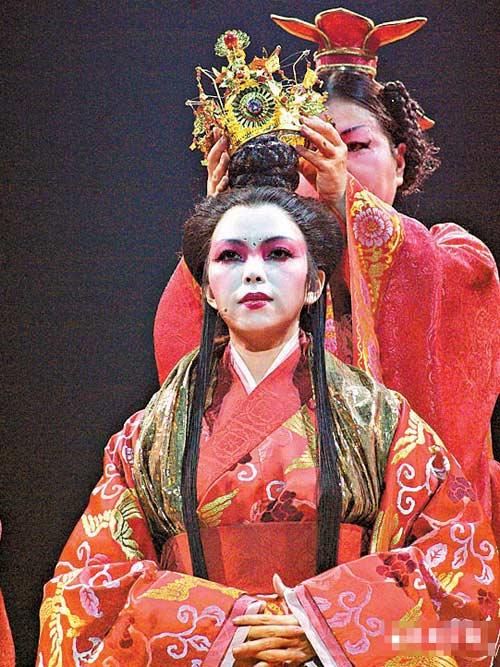 张惠妹演出专业认真,似乎并未受到男友另结新欢传闻影响