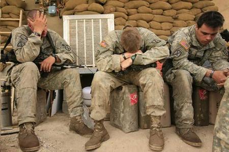 资料图:疲惫的伊拉克美军