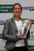 图文:2007年度WTA颁奖典礼 海宁笑的很灿烂