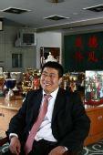 图文:[访谈]青岛总经理做客 于涛自信微笑