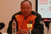 图文:[中超]上海2-0深圳 麦超出席赛后发布会