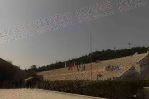 组图:奥运官网首席记者张朝阳现场报道