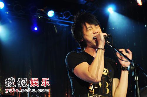 信广州不插电演唱会 动情演唱