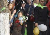 图文:奥运圣火哈萨克斯坦传递 民众迎圣火