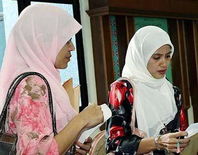 妻子团结休夫 马来西亚男子3分钟内离婚两次