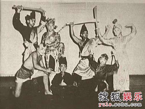 """戏剧时代的""""七小福"""""""