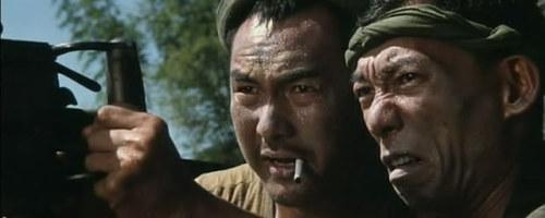 《东方秃鹰》元奎、袁和平。袁和平饰演八爷,现在成为电影界对他的尊称。