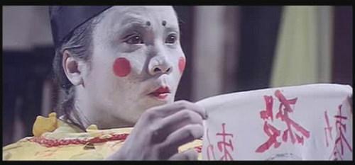 """《奇门遁甲》缩在一个缸里,化妆得像《七龙珠》里的""""饺子""""。"""