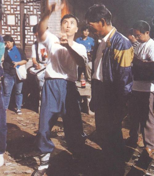 《咏春》拍摄现场 甄子丹和袁和平在讨论