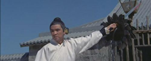 《独臂刀王》王羽。拍《独臂刀》王羽得了个后遗症,就是往后的电影都喜欢做这个动作。