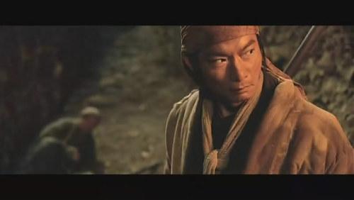 《七剑》不显老的戚冠军。谁能看出他此时已经是近60岁的人。