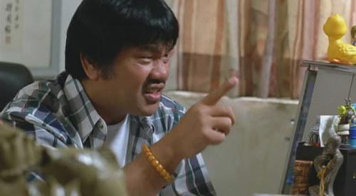 《我要成名》 陆剑明都胖成这样了。他在里面饰演一个骗子导演,开口就请一堆明星来客串。