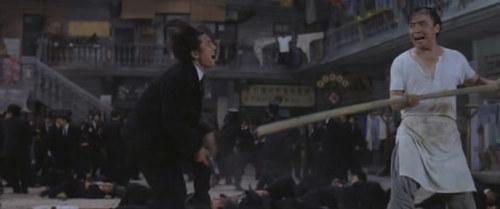 董志华拍周星驰的《功夫》,电影火了一阵,但董志华似乎没就此翻身。