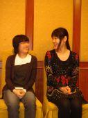 图文:韩国队正官庄杯二连冠 韩国二将相视而笑