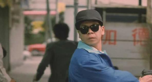 《重案组》陈达广饰演开头的劫匪,被成龙一枪搞掂了。