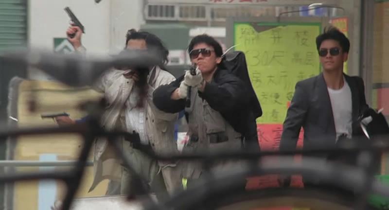 《重案组》火星、黄明升。饰演开头的劫匪,黄明升这张颇为帅气。