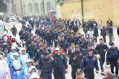 组图:伊斯坦布尔传递现场 确保安全的警察