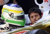 图文:[F1]巴林站首次练习赛 费斯切拉准备练习