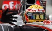 图文:[F1]巴林站首次练习 近距离观察汉密尔顿