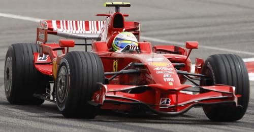 图文:[F1]巴林站首次练习赛 马萨准备入弯