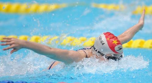 图文:女子200米个人混合泳决赛 李玄旭蝶泳