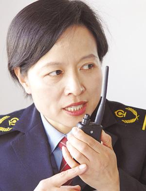 刘青工作有标准 服务无止境