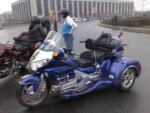圣彼得堡媒体用摩托车先进美观 摄影/李东雷