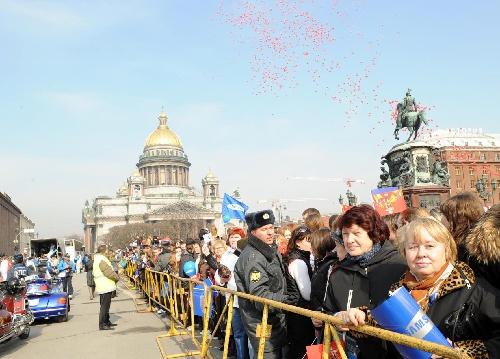 热情的圣彼得堡市民