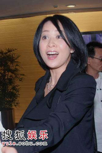 刘嘉玲看起来心情格外好