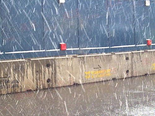 伦敦大雪纷飞