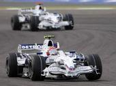图文:[F1]巴林大奖赛正赛 库比卡和海德菲尔德